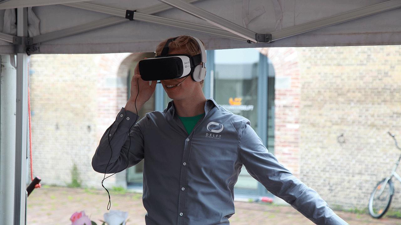 Hyperloop-Tim-Trying-VR